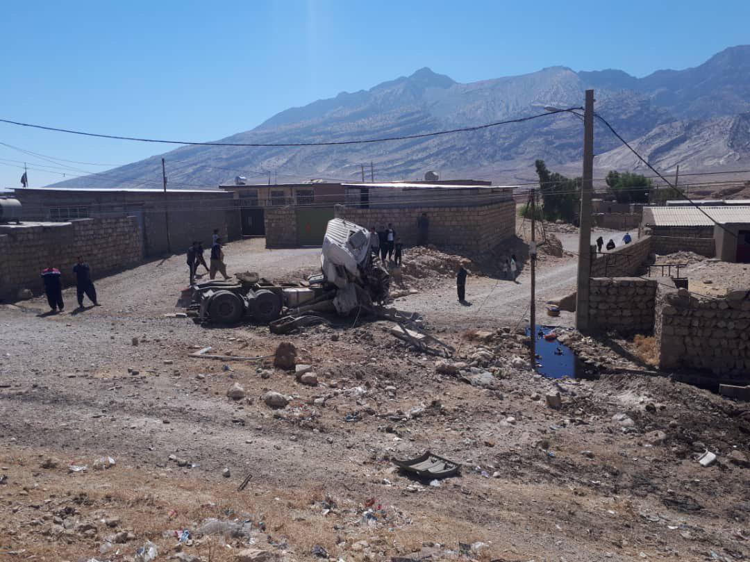 واژگونی کشنده حامل مواد نفتی در جاده پلدختر - اندیمشک (دهستان پاعلم) برای سومین بار طی هفته های گذشته
