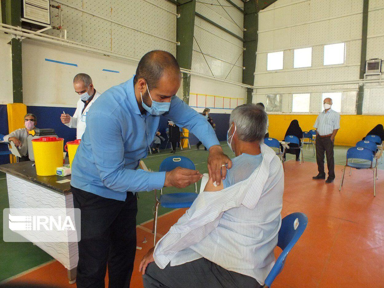 واکسیناسیون کرونا برای فرهنگیان لرستان در ۱۷ مرکز انجام میشود